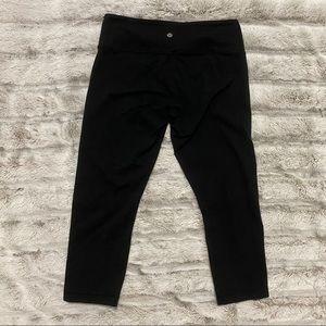 black crop lululemon leggings